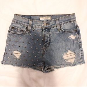 VINTAGE LEVIS RECONSTRUCTED DENIM SHORTS